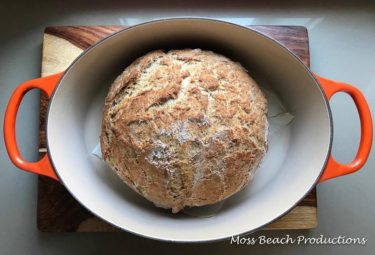 Perfect bread in a pot